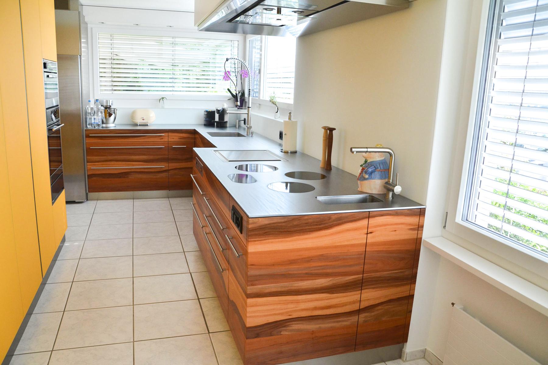 Küche Glas ESG Satinato Sonnengelb und Apfelbaum